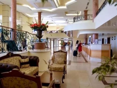 Hotel Belleville Duni (2 / 37)